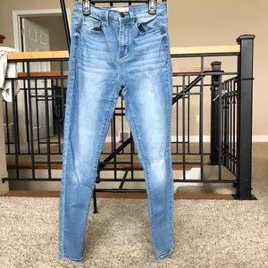 High-Rise Light Wash Distressed Jeggings